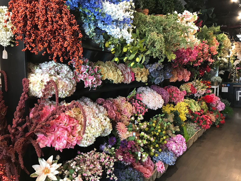 Spend a morning in the chelsea flower market jrose wholesale flowers 117 west 28th street one of my favorites with a large selection of beautiful flowers and to die for roses mightylinksfo